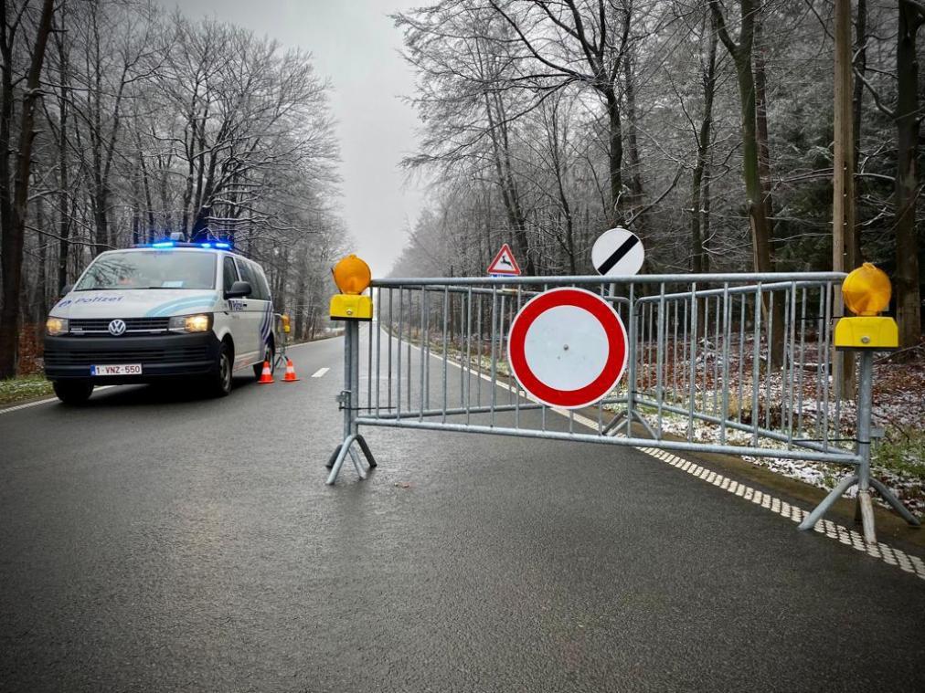 <p>Das Hohe Venn ist auch an der Monschauer Straße gesperrt.</p>